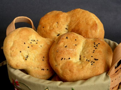 Poee: Mildly Spiced Goan Bread | eCurry - The Recipe Blog