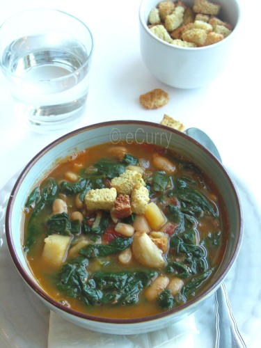 spinach-soup-with-fried-garlic-1