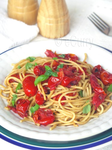 Pasta with Charred Skillet tomatoes 1