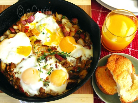 Skillet Eggs with Potatoes and Mushrooms | eCurry - The ...