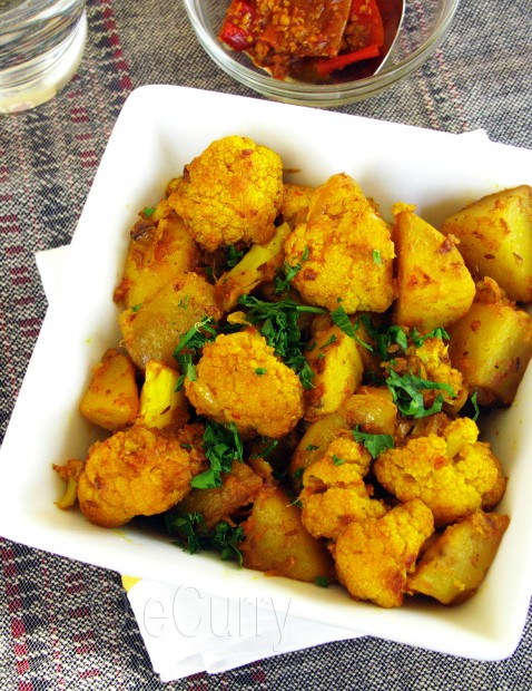 Aloo Gobi/Spiced Cauliflower and Potatoes
