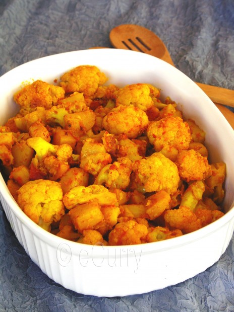 Cauliflower with Tomatoes