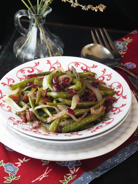 Green Beans Beans with Pecans and Cranberries