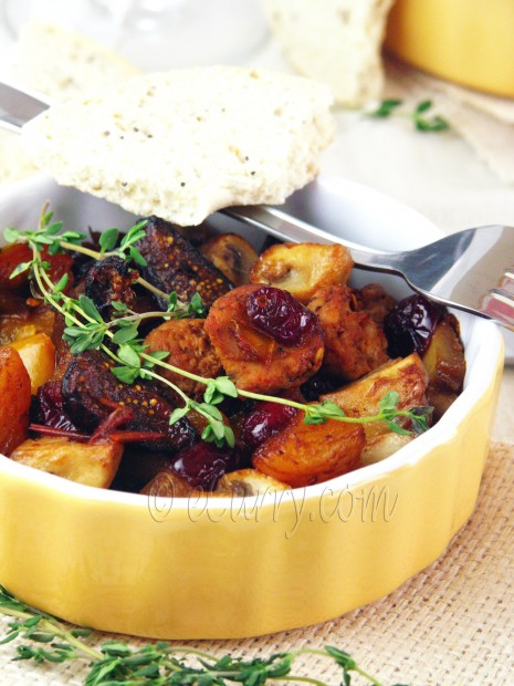 Sausages with Onion, Peppers and Dried Fruits