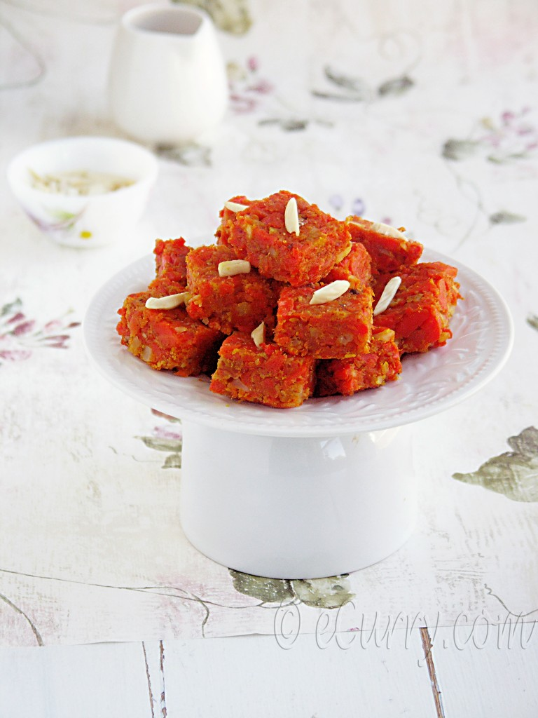 Carrot Halwa, gajar ka halwa, indian halwa, indian dessert, dessert with carrots, cardamom flavored dessert, halwa