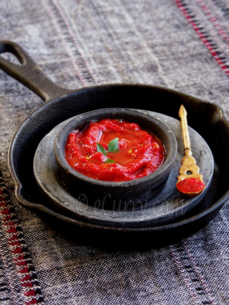 roasted tomato and pepper chutney/dip/sauce