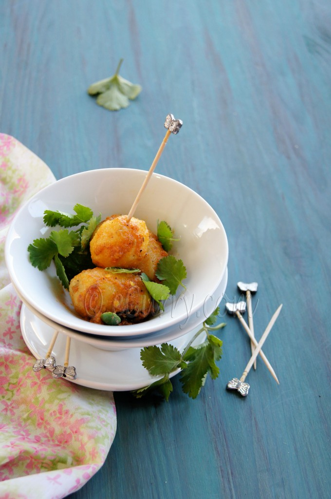 Niramish Dum Aloo - Spice Coated Baby Potatoes