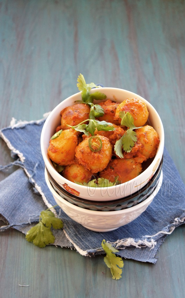Niramish Dum Aloo