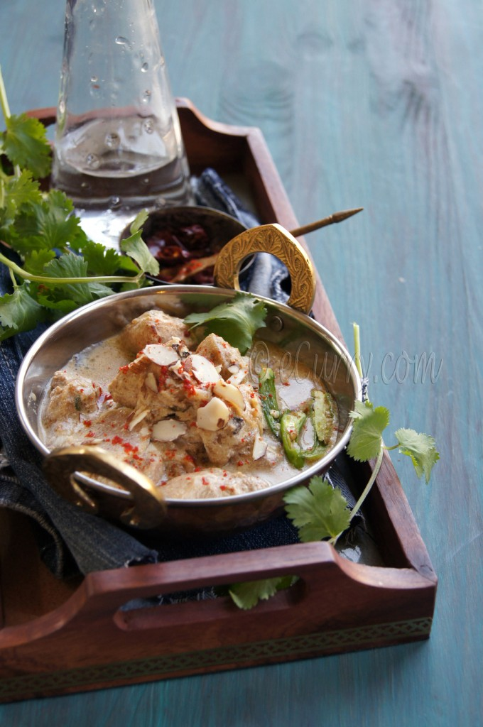 murgh badami:curried chicken in almond sauce