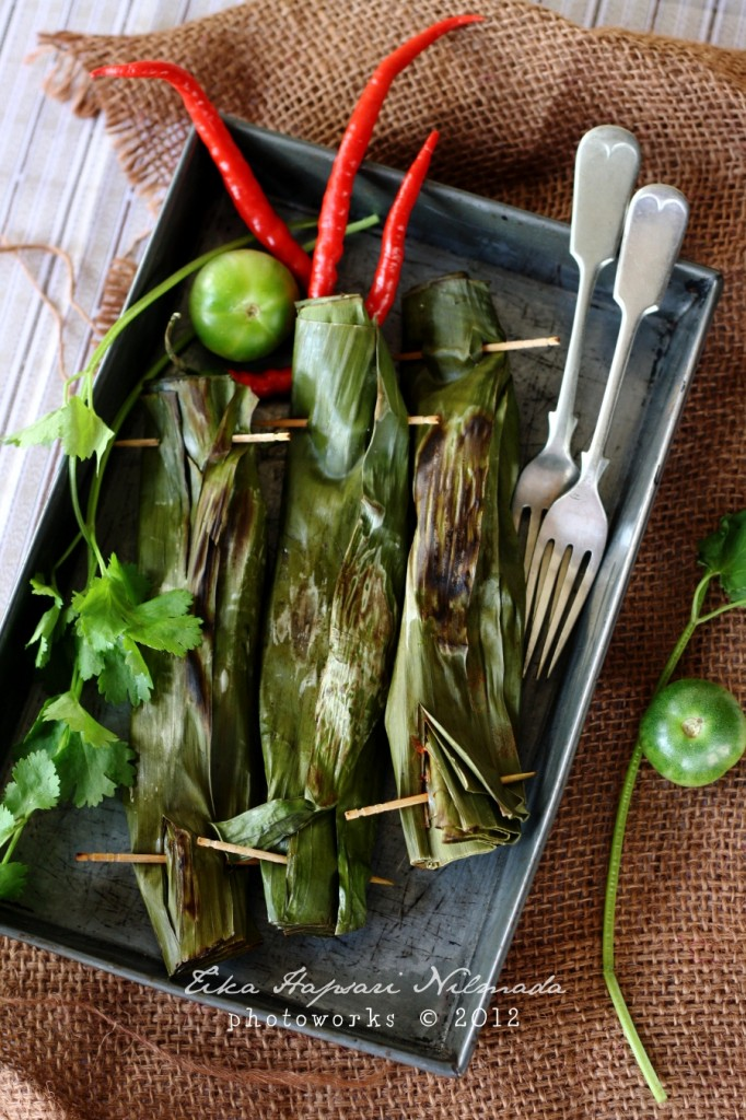 pepes - spicy oyster mushroom wrapped in banana leaf