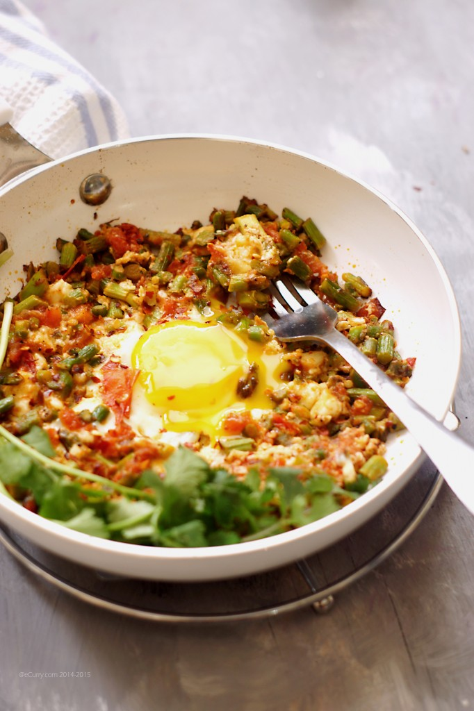 Skillet Egg with Asparagus Hash 3